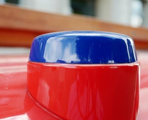 Scheurer Swiss nutzt 3D-Druck zur Herstellung von Blaulicht-Attrappen für den Umbau eines alten Feuerwehrautos in einen Event-Bus.